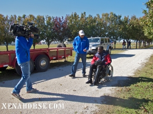 KHOU Ch. 11 reporter Len Cannon meets Air Force veteran Derrick Perkins during a visit to The Xena Project in late November. The Xena Project is a veteran-operated 501(c )3 that facilitates healing for veterans and their families through equine and animal therapy; learn more at xenahorse.com
